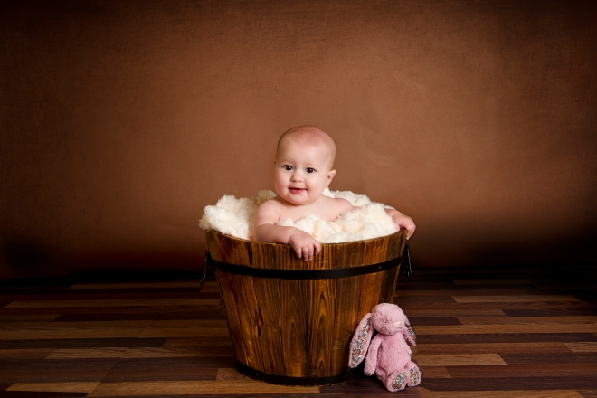 livy in brown bucket